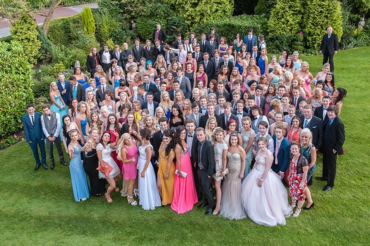 Group photo at the prom